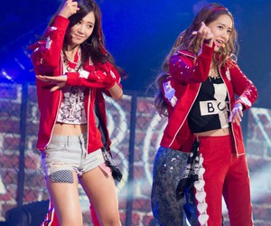 girls' generation, yoonyul, and kwon yuri image