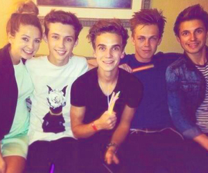 zoella, joe sugg, and caspar lee image