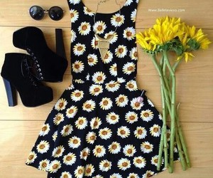 clothes, summer, and daisies image