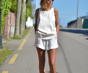 look, style, and all white image