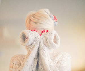 blonde, bow, and bun image