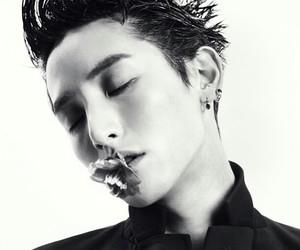 lee soo hyuk and model image