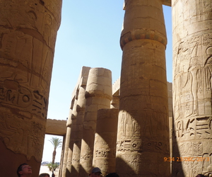 columns and egypt image
