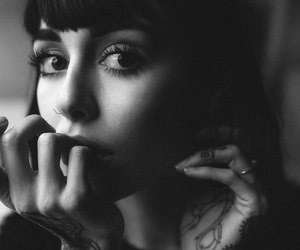 hannah snowdon, hannah sykes, and black and white image