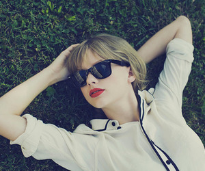 look, style, and taylorswift image