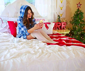 bethany mota, christmas, and mota image