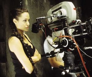 Angelina Jolie, filme, and lara croft image