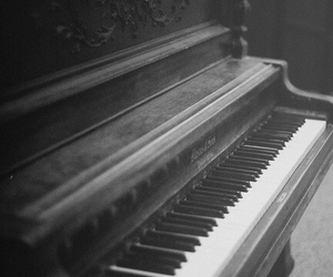 piano, black and white, and music image