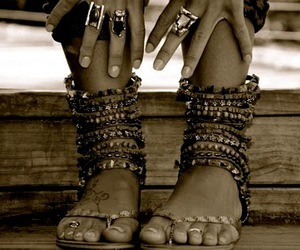 feet, summer, and rings image