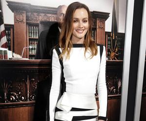 leighton meester, robe de soirée courte, and robe blanche et noire image