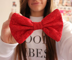 red, bow, and tumblr image