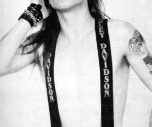 axl rose and photography image