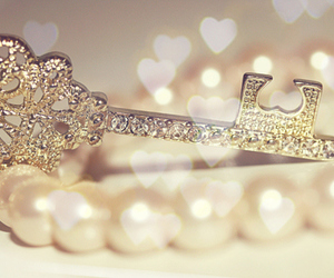 key, pearls, and heart image