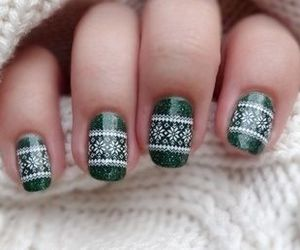 nails, green, and christmas image
