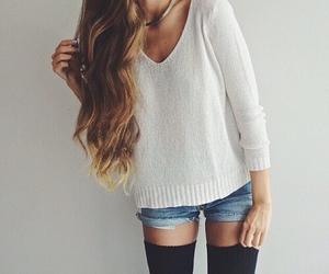 blanco, buzo, and fashion image