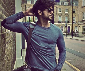 28 and love gautam gulati looks image