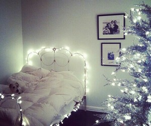 christmas, light, and bed image