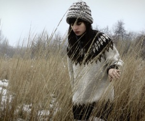beanie, brunette, and cold image