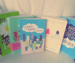 books, fangirl, and papertowns image
