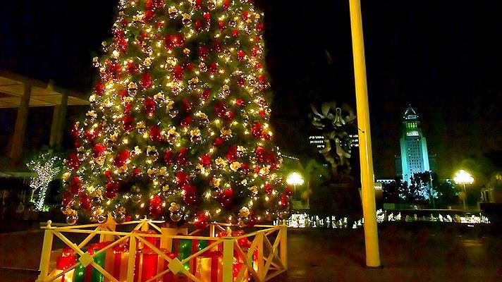 christmas, city, and decoration image