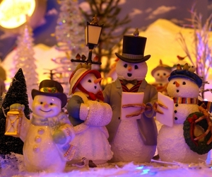 christmas, family, and snowman image