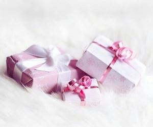 gift, christmas, and pink image