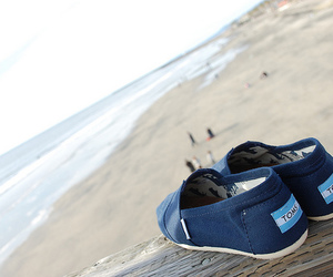 beach and toms image