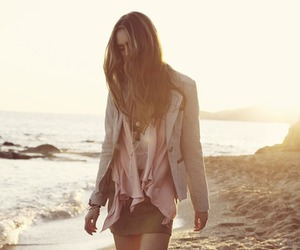 fashion, girl, and ocean image
