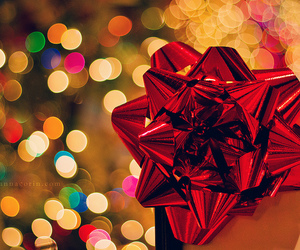 bokeh, bow, and christmas image