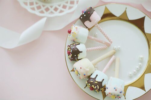 food, marshmallow, and yum image