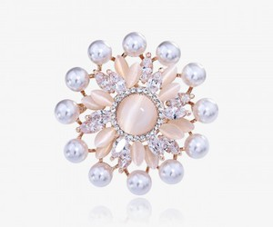 flower brooch, rose gold, and pearl flower brooch image