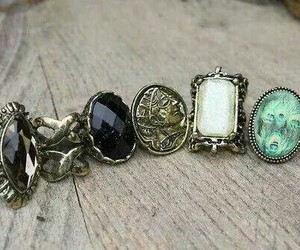 rings and grunge image