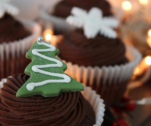 christmas, cupcake, and chocolate image
