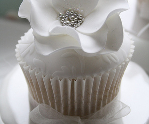 cupcake, white, and flowers image