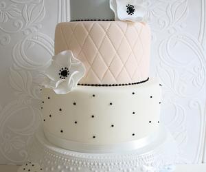 cake, cupcake, and wedding image