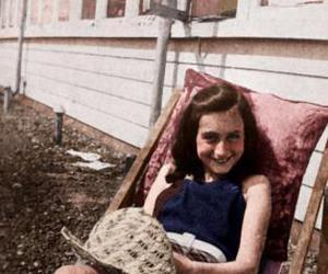 1939 and anne frank image