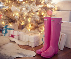 pink, christmas, and hunter image