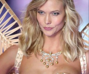 blank space, Karlie Kloss, and Taylor Swift image
