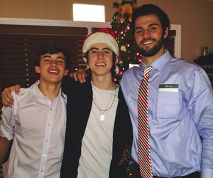nash grier, hayes grier, and will grier image