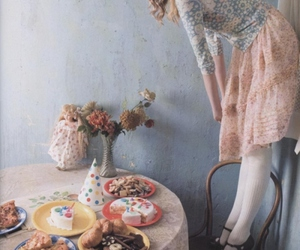 girl, vintage, and cake image