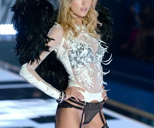 Taylor Swift, martha hunt, and angels ball image