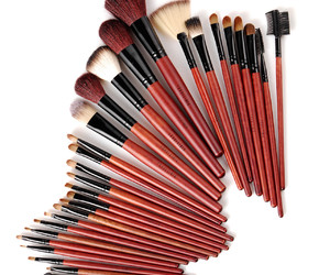 Brushes, makeup, and makeup brush set image