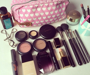 makeup, love, and eyes image