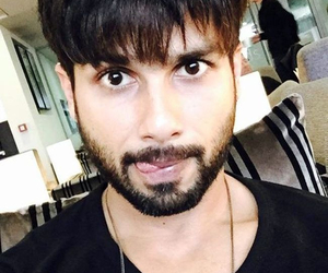 actor, cutie, and shahid kapoor image