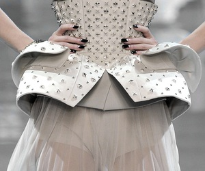 Christian Dior, details, and runway image