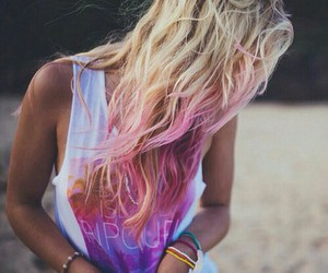 beach, outfit, and pink hair image