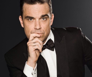 Robbie Williams, sexy, and singer image