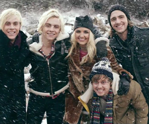 r5, smile, and ross lynch image