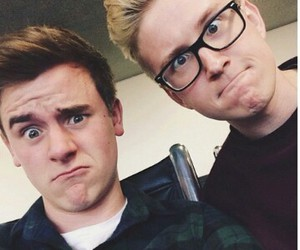 tyler oakley and connor franta image