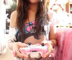 girl, pink, and xbox image